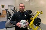 Futbalový tréner a učiteľ telesnej výchovy Peter Zubka.