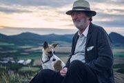 Bolek Polívka a Gump vo filme Gump - pes, ktorý naučil ľudí žiť