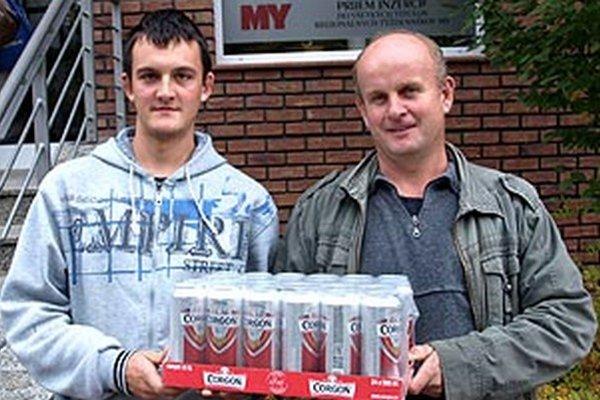 Po kartón piva si prišiel víťaz 10. kola Jaroslav Polák, aj so synom.