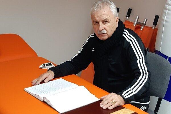 Stanislav Bomba pôsobí pri futbale už dlhé roky.