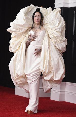 Noah Cyrus na Grammy Awards 2021