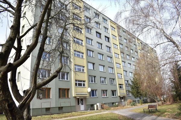 Obyvatelia rozhodovali o výpovedi správcovi v septembri. Ten sa dodnes stará o ich bytovku.
