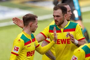 Ondrej Duda (vľavo) sa teší z gólu v drese 1. FC Kolín.