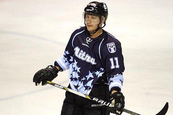Dres Nitry si obliekol aj majster sveta z roku 2002, 40-ročný obranca Dušan Milo.