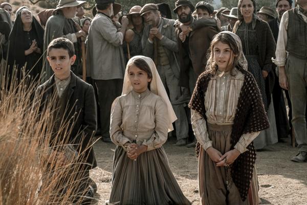 František, Hyacinta a Lucia - tri deti, ktorým sa vo Fatime zjavila Panna Mária - vo filme Fatima