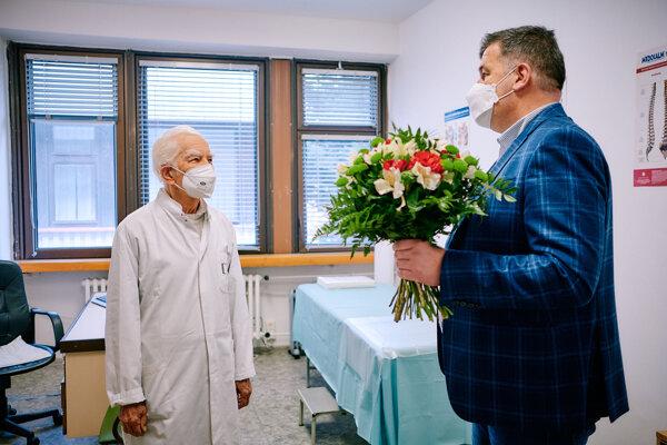 Riaditeľ nemocnice Ivan Mokrý poďakoval lekárom.