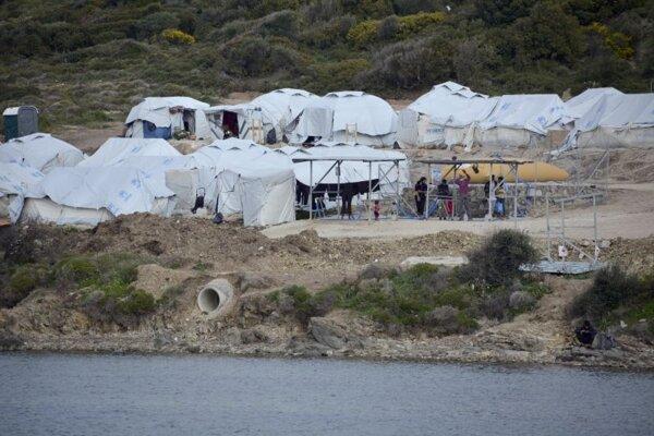Utečenecký tábor Karatepe na pobreží ostrova Lesbos.