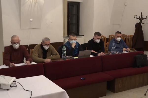 Poslanci obce Šarišské Michaľany na nedávnom rokovaní.