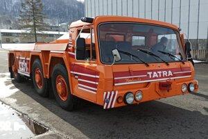Letiskový ťahač Tatra 815 TPL.