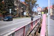 Uzatvorené pešie lávky patria mestu, most je v správe Prešovského samosprávneho kraja.