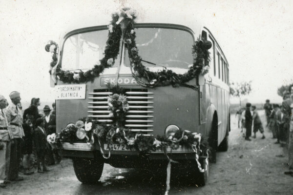 Prvá linka v dedine. Počas prvej republiky začala premávať aj pravidelná autobusová linka medzi Blatnicou a Turčianskym svätým Martinom.