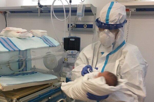 V marci 2021 mali v kežmarskej nemocnici 114 pôrodov.
