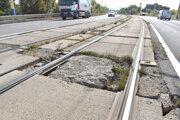 Odhadovaná čiastka rekonštrukcie trate na Alejovej je 33 až 35 miliónov.
