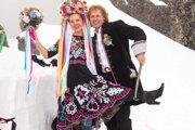 Veronika aPeter Šinalovci si svoj veľký svadobný deň užili netradične adobrodružne. Svoje áno si povedali na Lomnickom štíte.