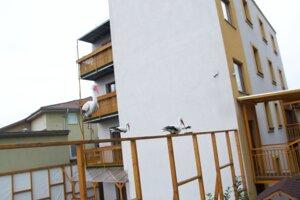 Dom na Podzámskej je postavený z lodných kontajnerov.