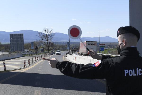 Milhosť -Tornyosnémeti je jedným z hraničných prechodov, ktorí pendleri využívajú.