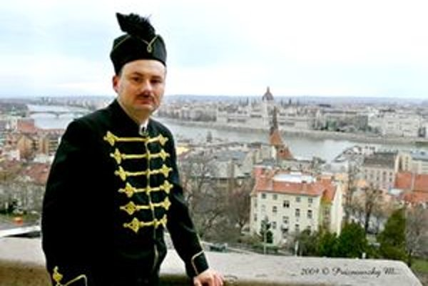 Ferenc Xavér Erdödy verí, že je gróf.
