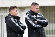 Tréneri prešovského Tatrana - hlavný tréner Peter Petráš (vpravo) a jeho asistent Jozef Kováč.