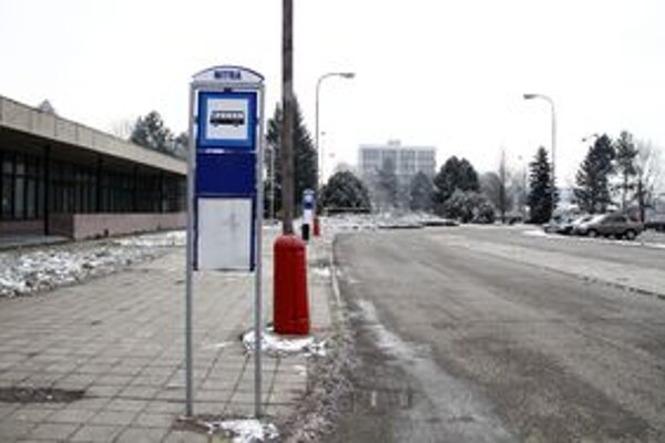 Autobusové zastávky na Dvorčianskej ulici.