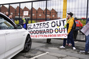 Protest fanúšikov Manchestru United pred zápasom s Liverpoolom.