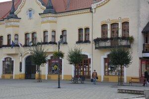Na radnici v Topoľčanoch sa v minulom roku riešili štyri petície.