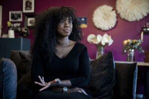 Assa Traoréová sa stala medzinárodne známou vďaka svojmu boju proti policajnému násiliu a rasizmu, keď vlani v Paríži organizovala protesty proti násilnej smrti Afroameričana Georgea Floyda.