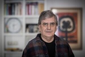 Profesor MUDr. Jozef Hašto, PhD. je popredný slovenský psychiater a psychoterapeut.