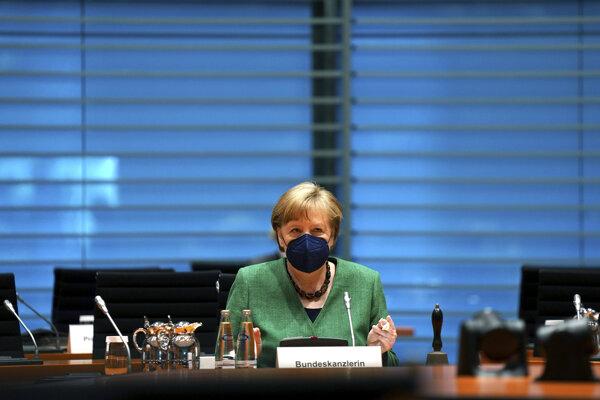 Kancelárka Angela Merkelová na zasadnutí kabinetu.