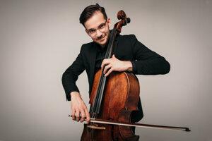 Mladý violončelista z Košíc Ján Bogdan študuje v Izraeli tretí rok. Popísal, ako to tam v súčasnosti kvôli vyhrocujúcemu sa napätiu vyzerá.