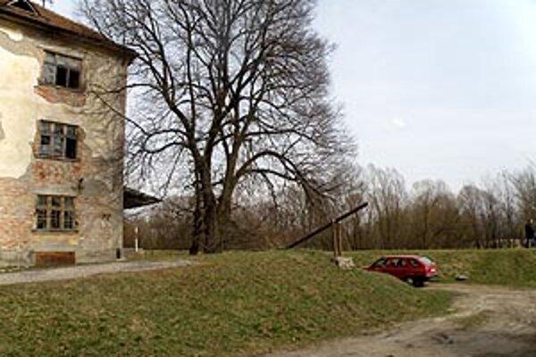 Jeden z mostov mali postaviť na tomto mieste v Pastovciach.