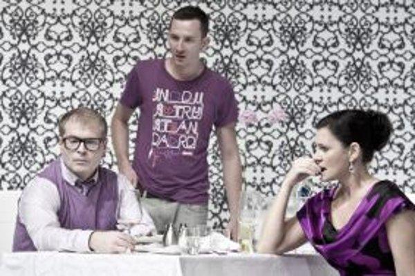 V hre Siroty sa predstavili (zľava) Marcel Ochránek, Jakub Rybárik a Lenka Barilíková.