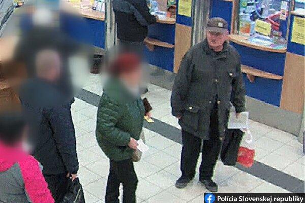 Polícia hľadá muža, ktorý môže objasniť okolnosti minuloročného útoku na škole vo Vrútkach.
