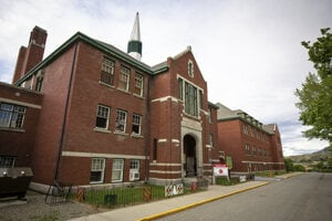 Kanadská internátna škola, kde objavili pozostatky detí.