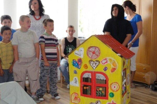 Projekt bol zameraný na deti zo špeciálnych základných škôl so stredným mentálnym postihnutím.