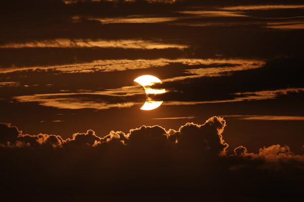 Čiastočné zatmenie Slnka v Baltimore.