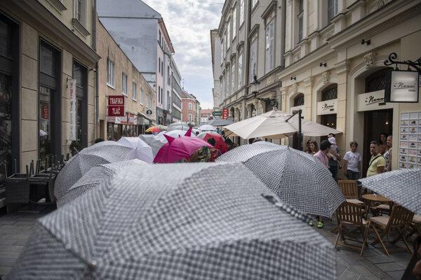 Dáždnikový pochod v Bratislave v roku 2018.