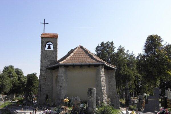 Kaplnka na cintoríne vo Vrbovom