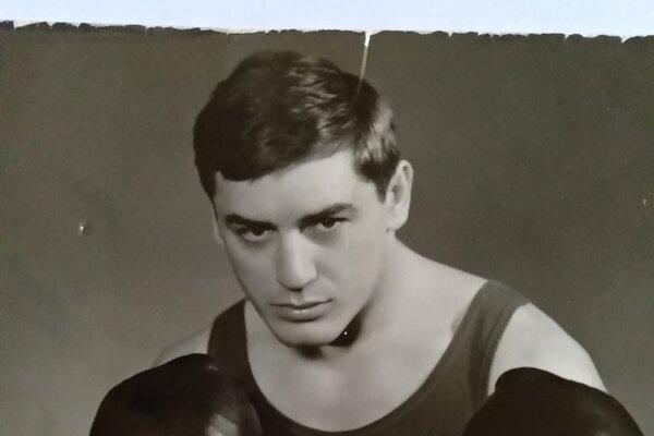 Ladislav Heczey ako 25 – ročný po zisku štvrtého titulu majstra Československa vdrese Dukly Olomouc.