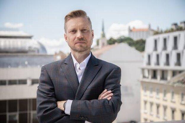 """""""V Eteruse máme chuť a kapacity podporiť zaujímavé firmy a projekty,"""" hovorí Boris Kostík, investičný riaditeľ spoločnosti Eterus Capital."""