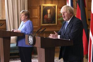Nemecká kancelárka Angela Merkelová na tlačovej konferencii po stretnutí s britským premiérom Borisom Johnsonom v Londýne.