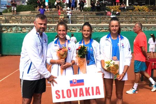 Druhá sprava stojí Nitrianka Lucia Hradecká. Slovenky majú bronz z ME a zahrajú si aj na MS!