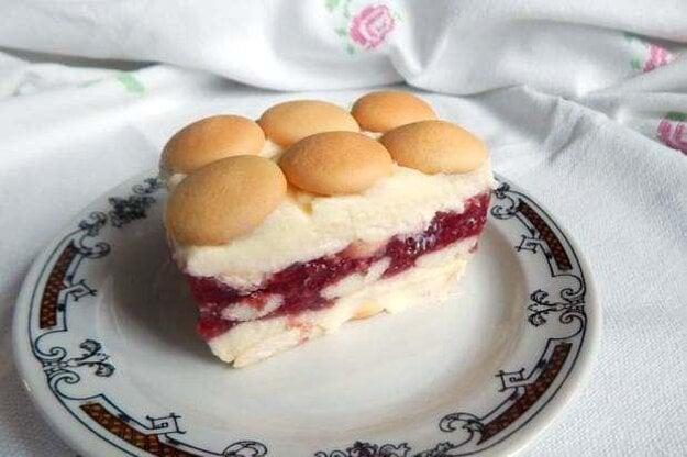Nepečená torta s malinovým želé