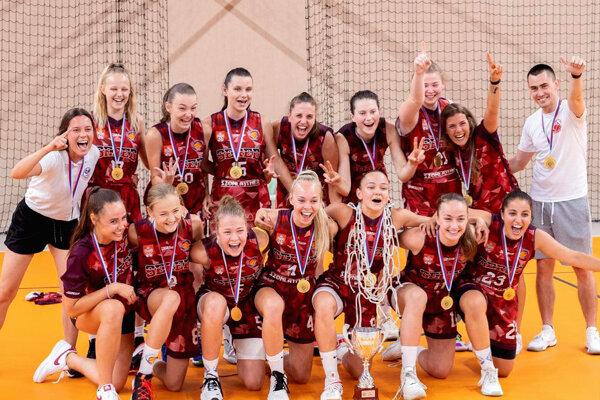 Šťastné kadetky BK Lokomotíva Sereď - vyhrali majstrovstvá Slovenska!