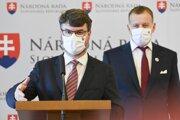 Podpredseda vlády Štefan Holý a predseda NR SR Boris Kollár.