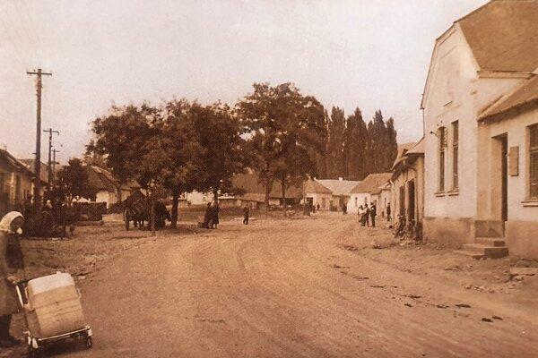 Žandárska stanica sídlila na námestí vBošáci vcentre obce