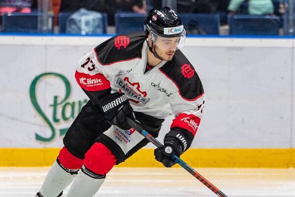 Pre Róberta Vargu je HK Nitra deviatym slovenským klubom.