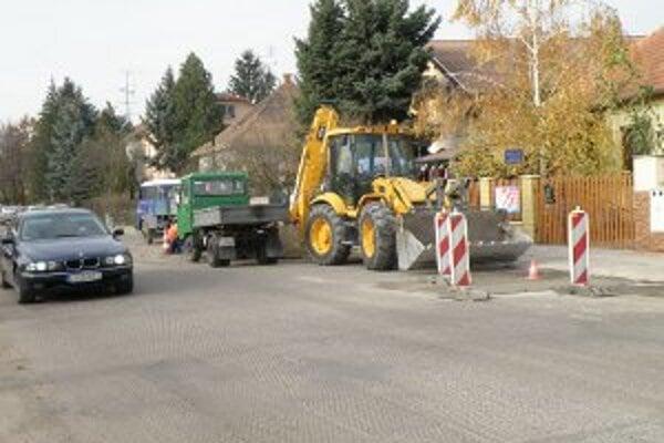 Na opravy ciest dáva kraj milióny eur.