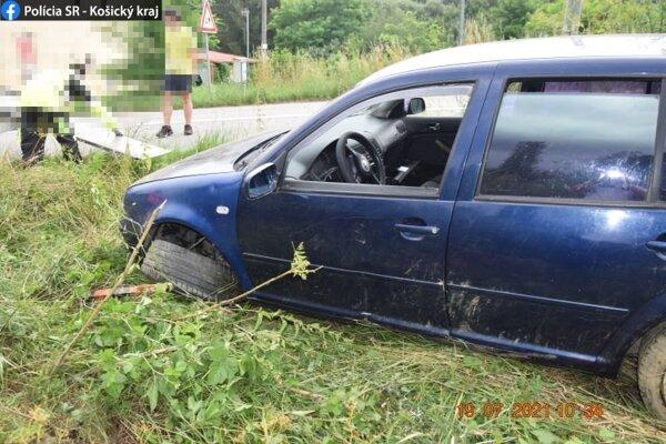 Jazda skončila nehodou.