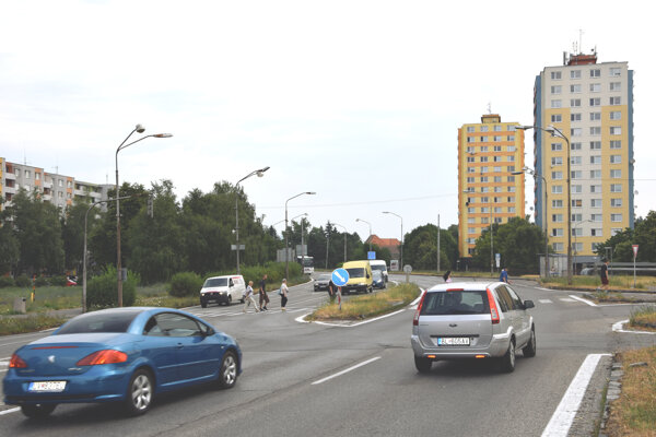 Švorprúdovka rozdeľuje mesto Levice.