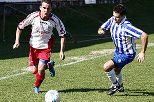 Zo zápasu ČFK Nitra - Šurany (2:1) strelec víťazného gólu Borčin a hosťujúci Gelle.